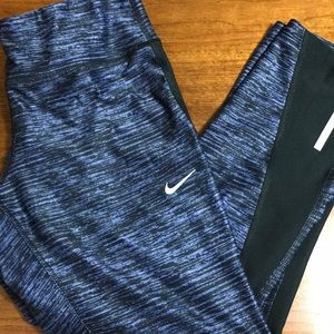 Nike dri-fit running capris size medium